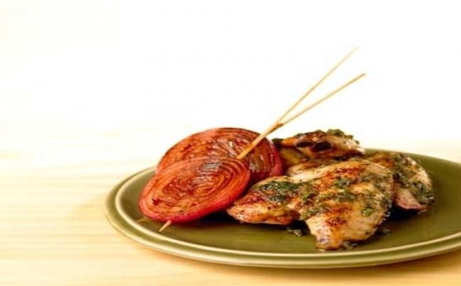 Alitas de pollo al lim n y culantro con cebollas en salsa de algarrobina y mostaza recetas - Salsa de pollo al limon ...